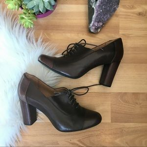 Clarks Indigo brown leather lace up block heels